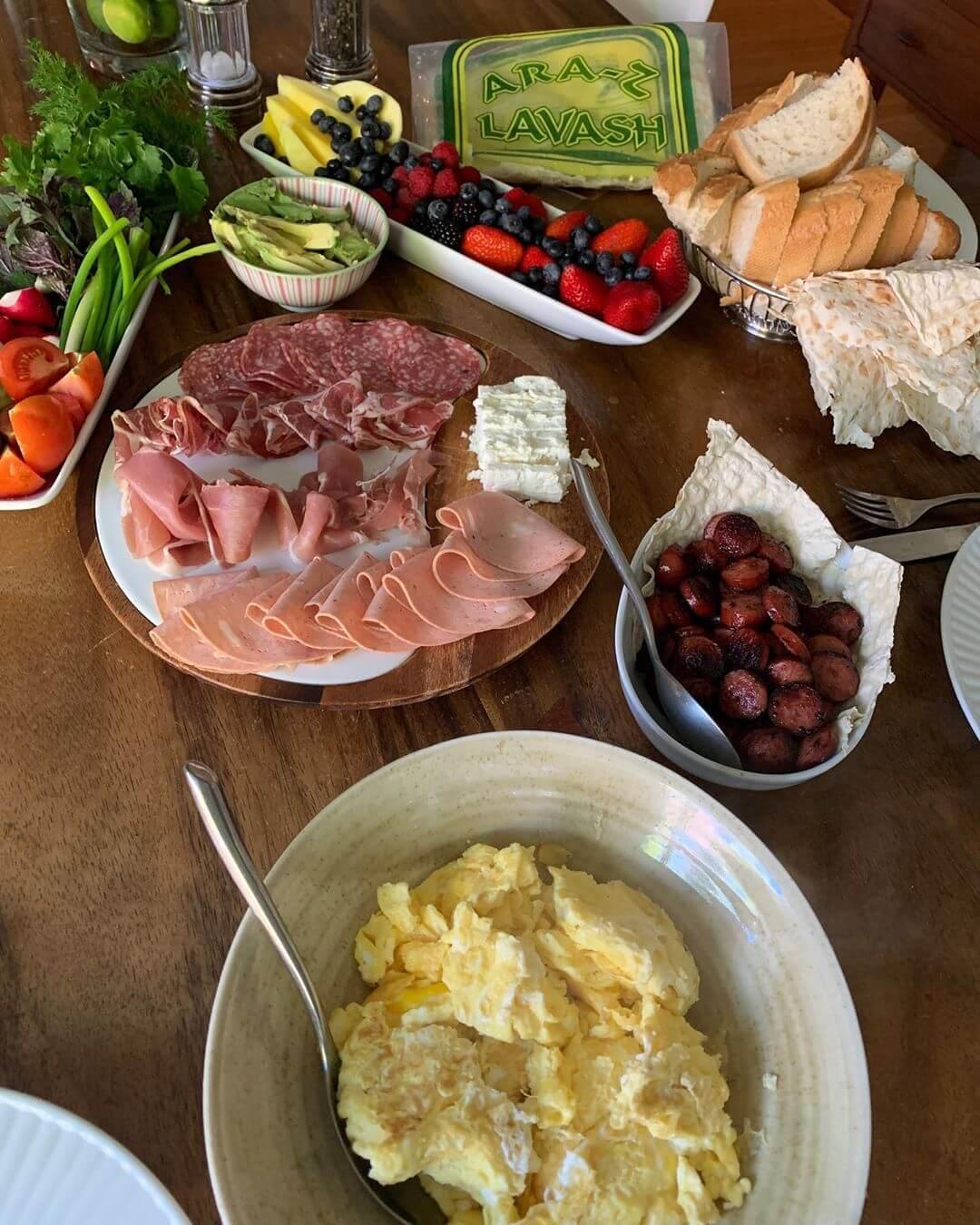araz-lavash-breadmasters-armenian-breakfast-spread(1)