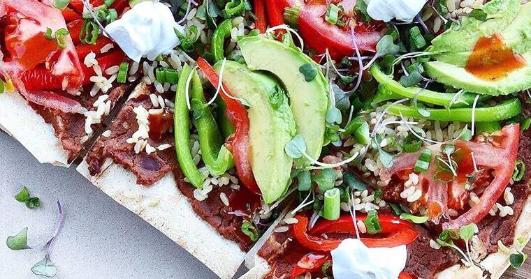 Refried-Beans-Avocado-pizza-breadmasters-breadmasters.com-lavash-araz-arazlavash-foodie-recipes-bread-bakery-flatbreadrecipes-lavashrecipes-markook-sangak-sangakcrisps-persian-armenian-ar
